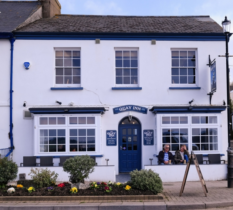 The-Quay-Inn-Instow-outside-02
