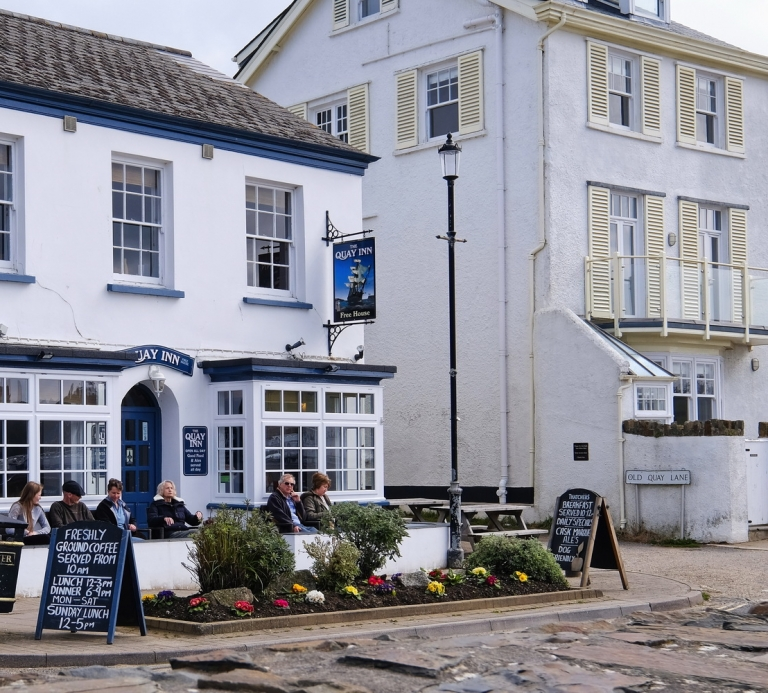 The-Quay-Inn-Instow-outside-04