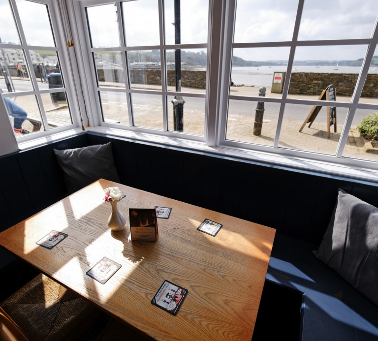 The-Quay-Inn-Instow-Bar-10